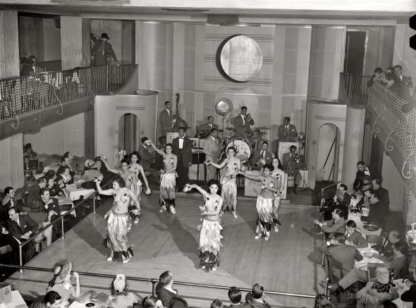 Chicago cabaret. 1941.