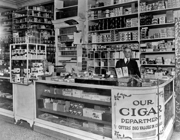 People's Drug Store, Washington D.C. 1909.