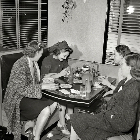 Washington Hot Shoppe Restaurant. 1941.