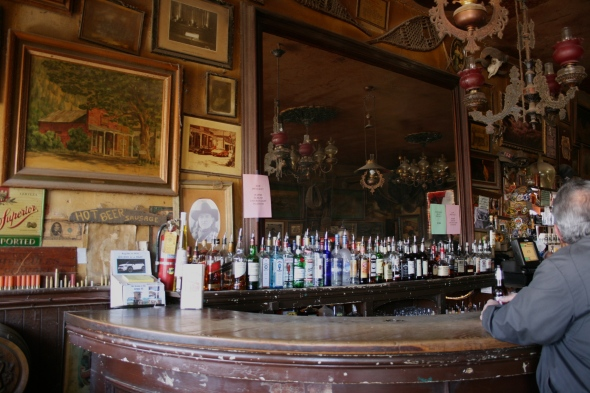 Genoa Bar