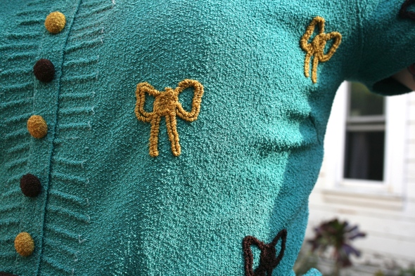 vintage bow blouse close up