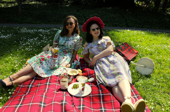 Tina & Mary picnic